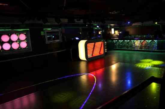 alquilo local para fiestas privadas en barcelona 698400811