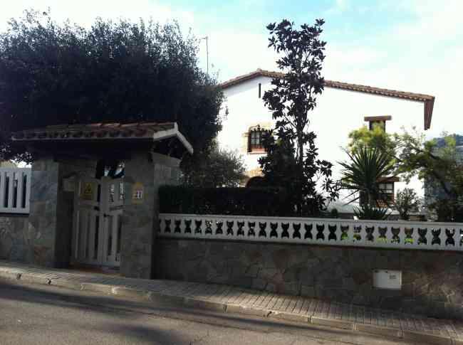 Preciosa casa impecable y amueblada en Urbanización Airesol