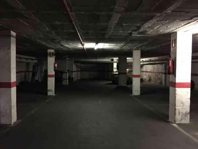 Vendo hasta 16 plazas privativas de parking en el centro de Sabadell