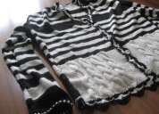Chaqueta artesanal blanca y negra
