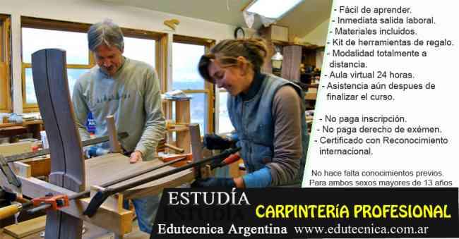 Curso de carpinteria con materiales y herramientas.