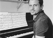 Profesora de piano clasico moderno Eng Esp Lenguaje musical ritmica en Madrid
