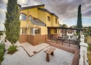 Chalet en venta de 218 m en calle amberes santa cruz del retamar toledo 3 dormitorios 262.00 m2