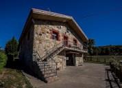 Casa en venta de en las cabanas virtus 09572 burgos 4 dormitorios 320.00 m2