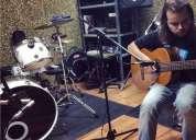 Profesor de guitarra en madrid con experiencia en clases directos giras estudio