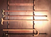 Soporte de madera para bastones