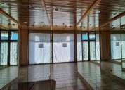 Local comercial excepcionalmente bien situado en venta en manresa 87.00 m2