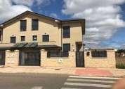 Casa chalet en alquiler en fresno del camino leon 5 dormitorios 250.00 m2